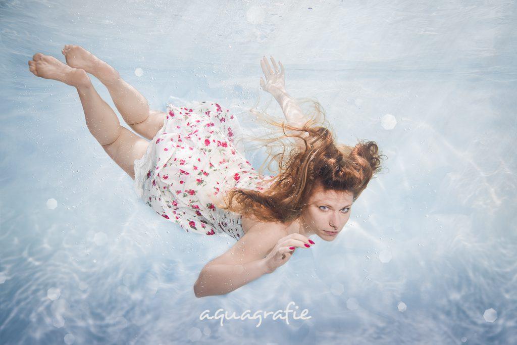Unterwasser tauchen Foto